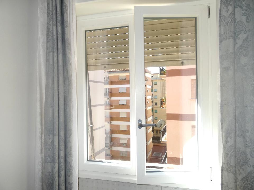 Finestre e infissi in pvc schuco vendita a roma finestre for Offerte infissi roma